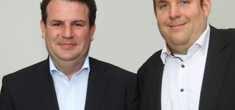 (Archivbild 2019) Hubertus Heil (Bundesminister für Arbeit und Sozialordnung) und Jens Matheuszik (stv. Vorsitzender der ver.di-Betriebsgruppe bei der HV der DRV KBS)