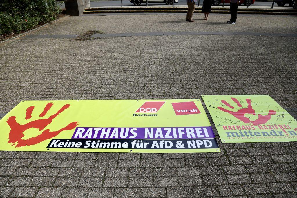 Rathaus nazifrei: Keine Stimme fuer AfD und NPD (Banner der Aktion von ver.di/dem DGB)